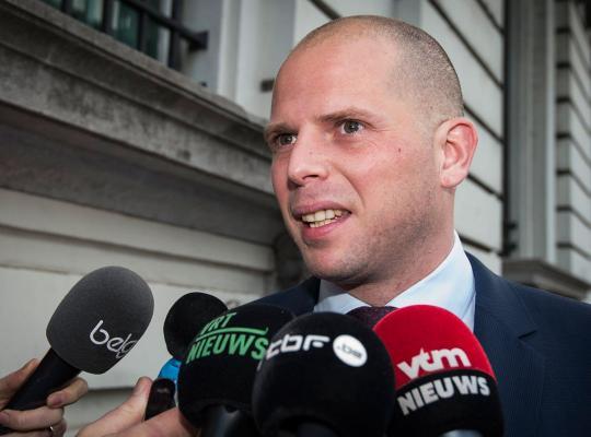 """Staatssecretaris Francken: """"Iedere asielzoeker ondergaat een grondige veiligheidscontrole"""""""